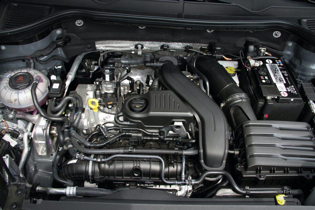 2022 Volkswagen Taos SEL engine