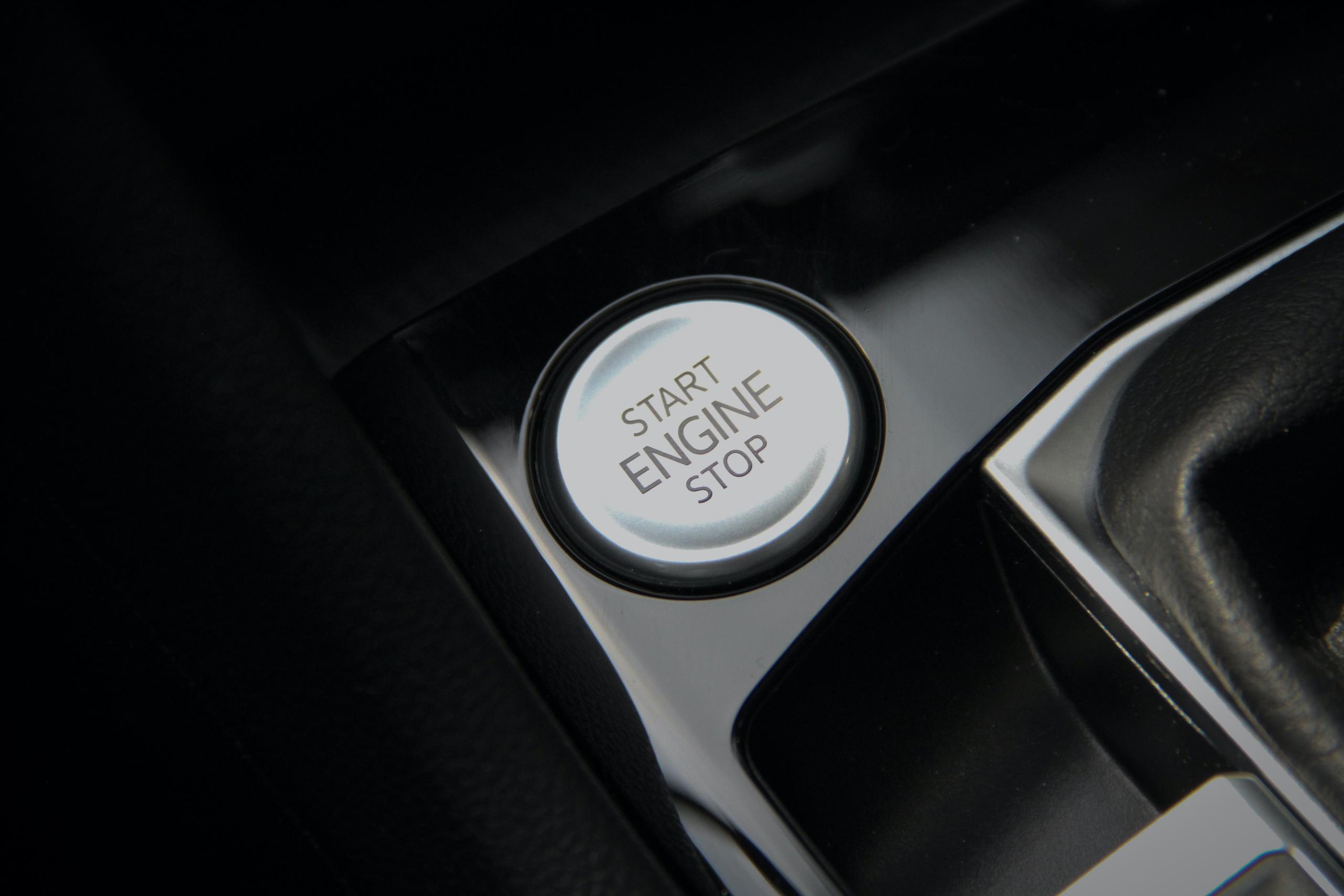 2022 Volkswagen Taos SEL AWD engine start stop
