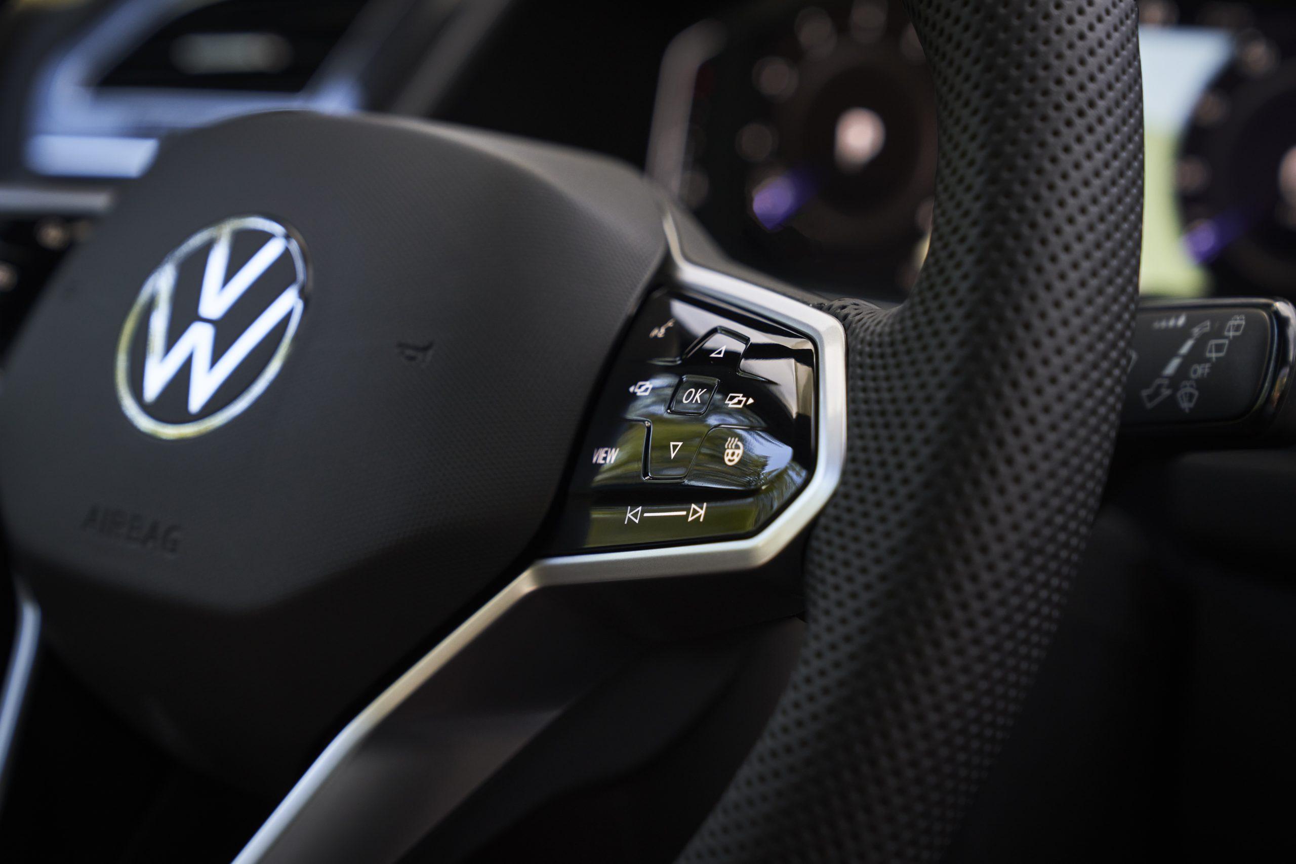 2022 VW Tiguan facelift steering wheel haptic
