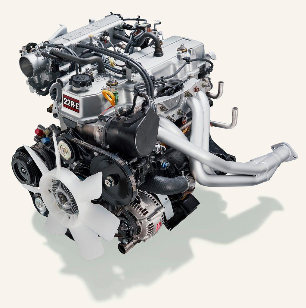 toyota 22R E engine front three-quarter