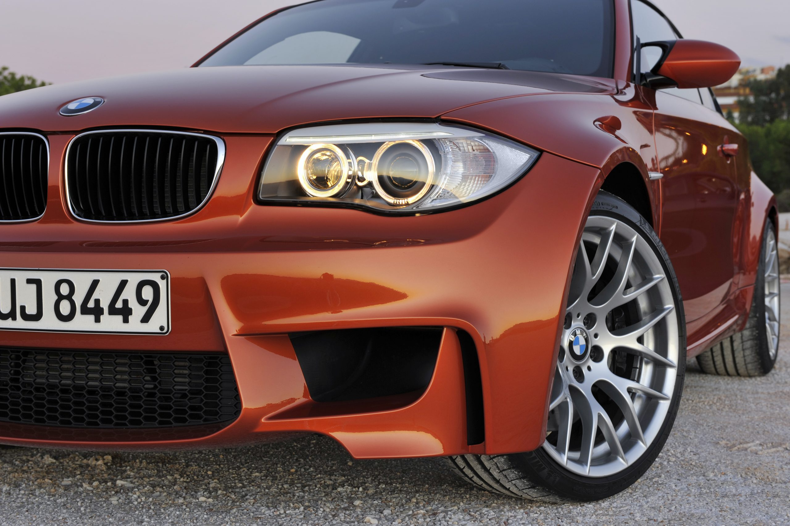 BMW 1 Series M Coupe front side headlight