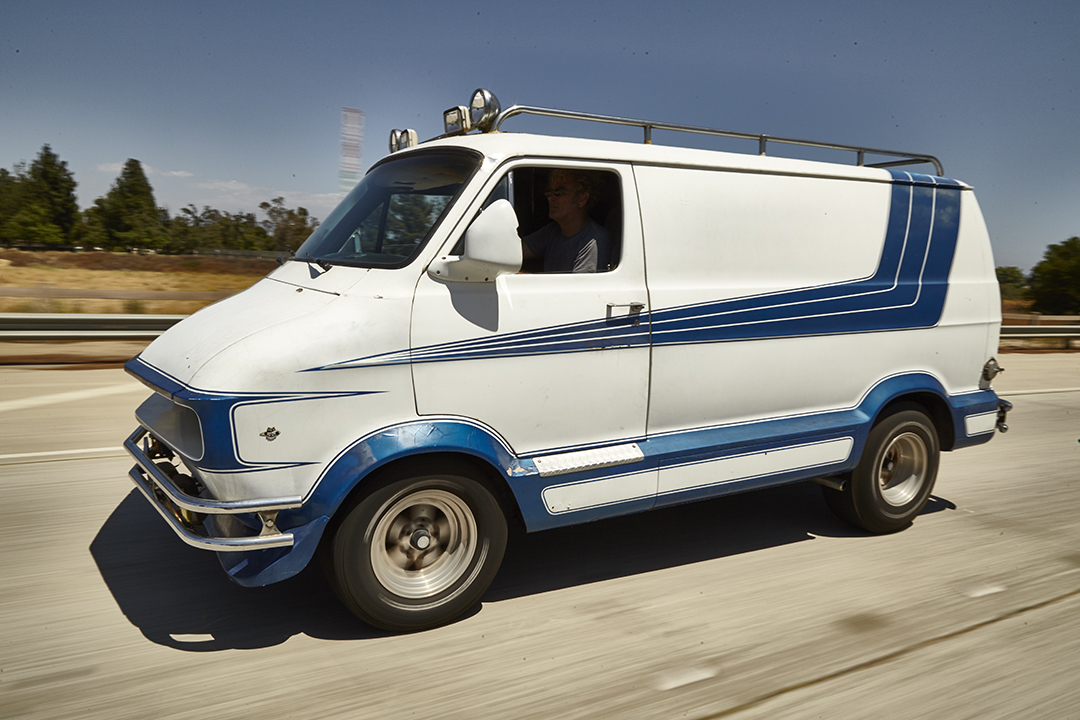 Deans Machine Van front three-quarter action