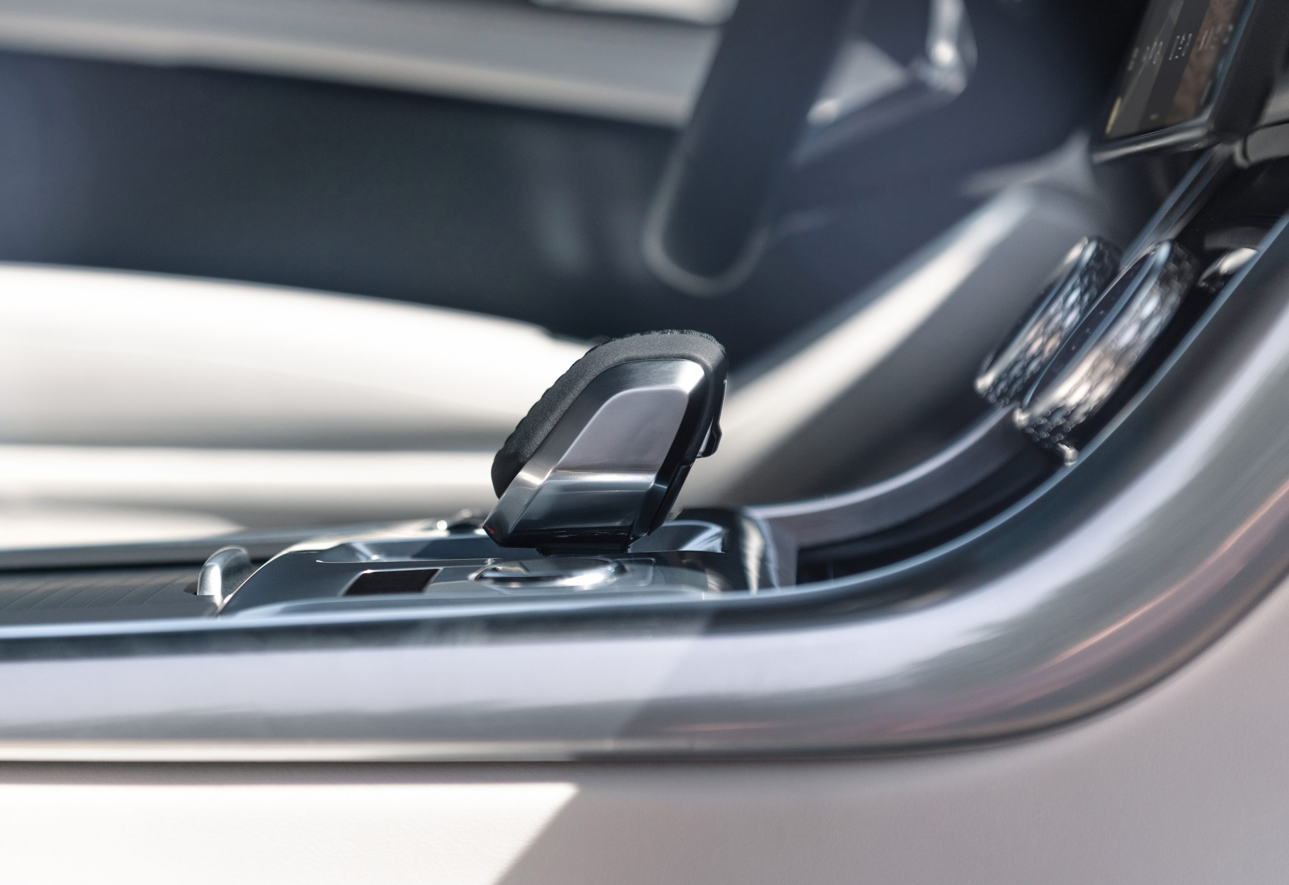 2021 Jaguar XF interior refresh shifter