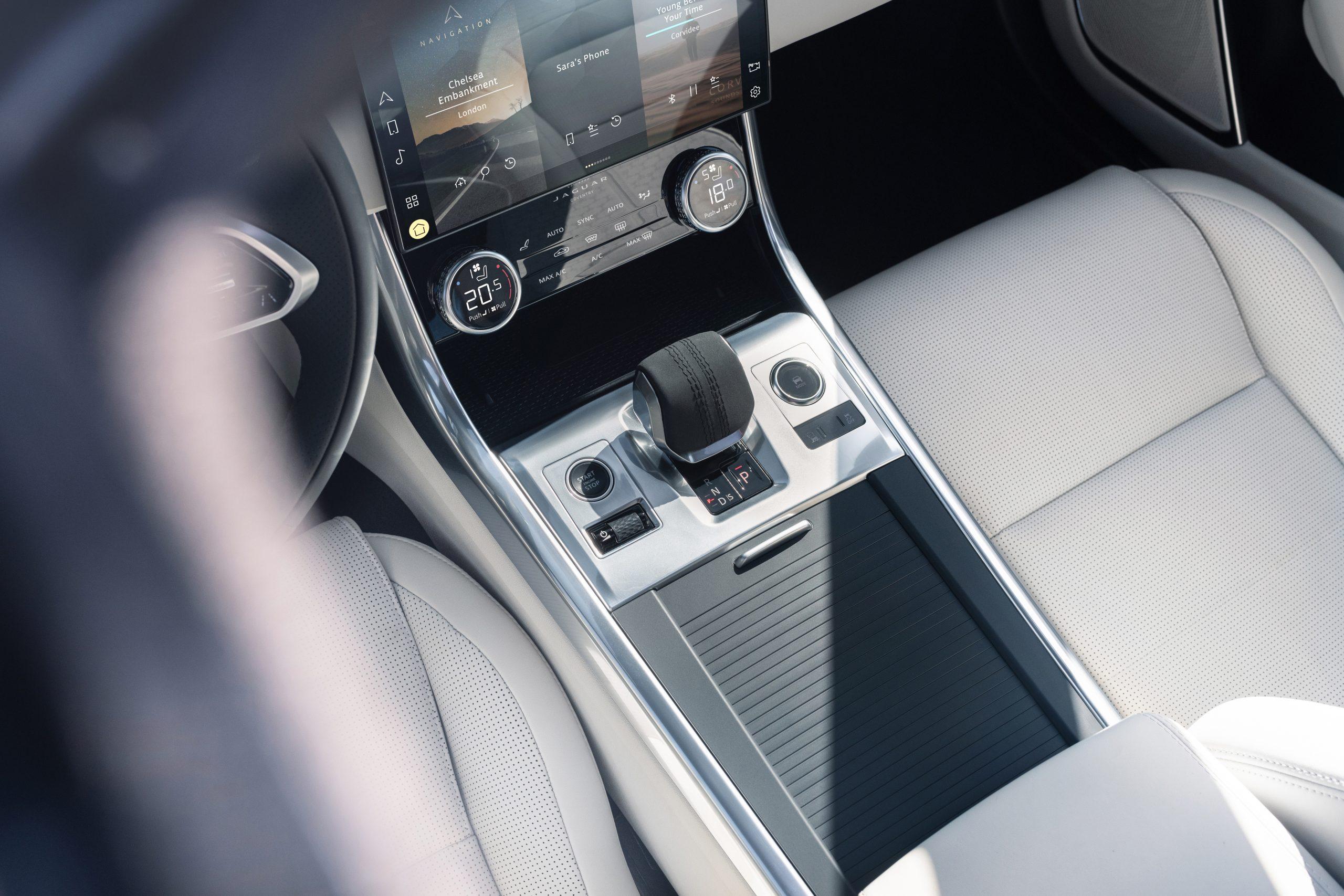 202021 Jaguar XF interior center console