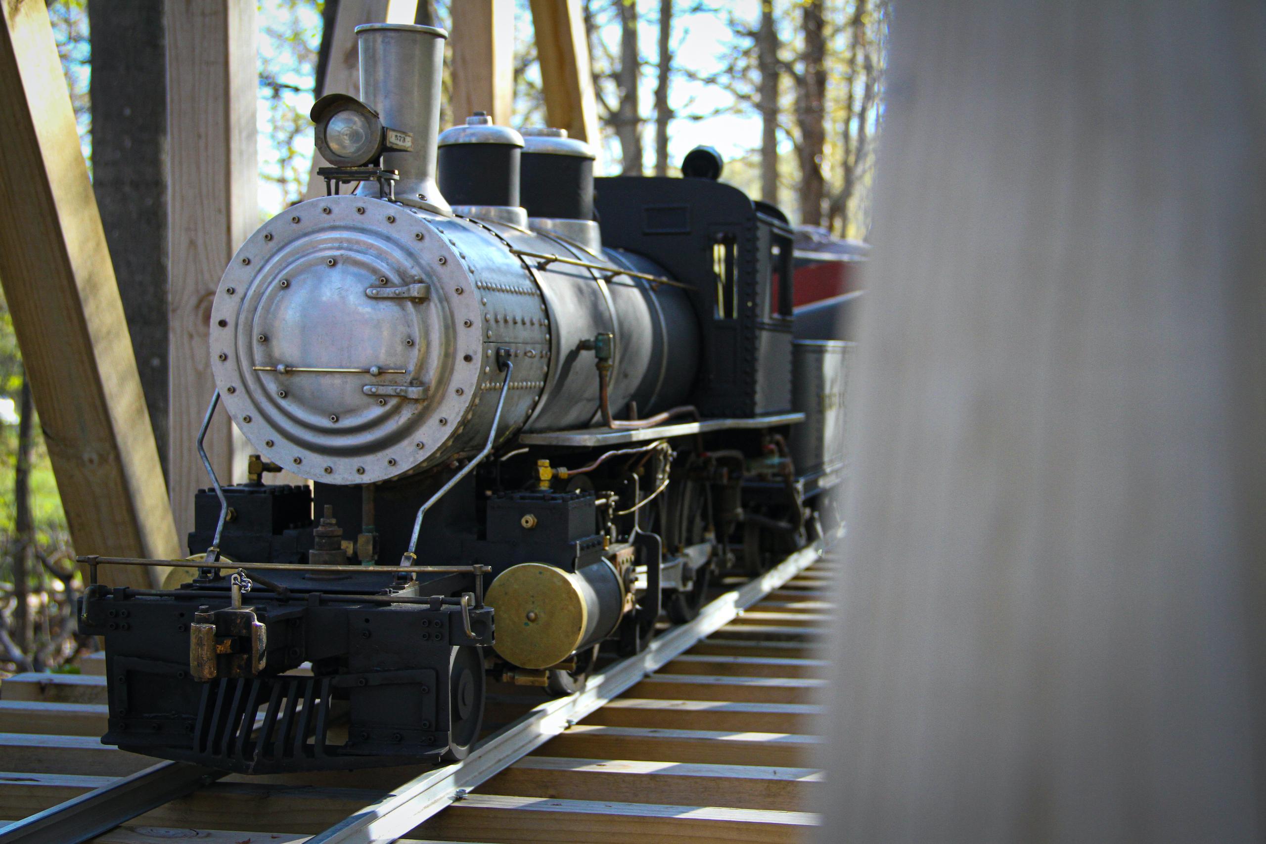 scale locomotive bridge