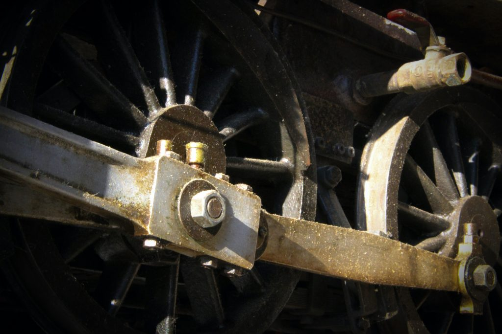 scale locomotive dirty wheels rods