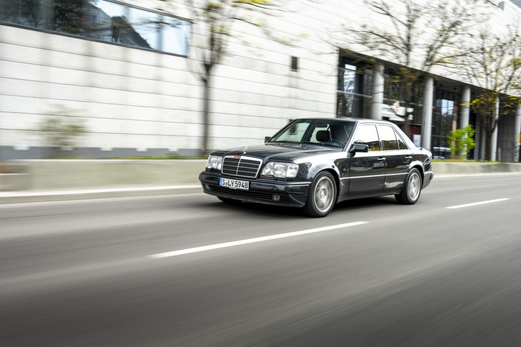Mercedes-Benz 500 E urban driving front three quarter
