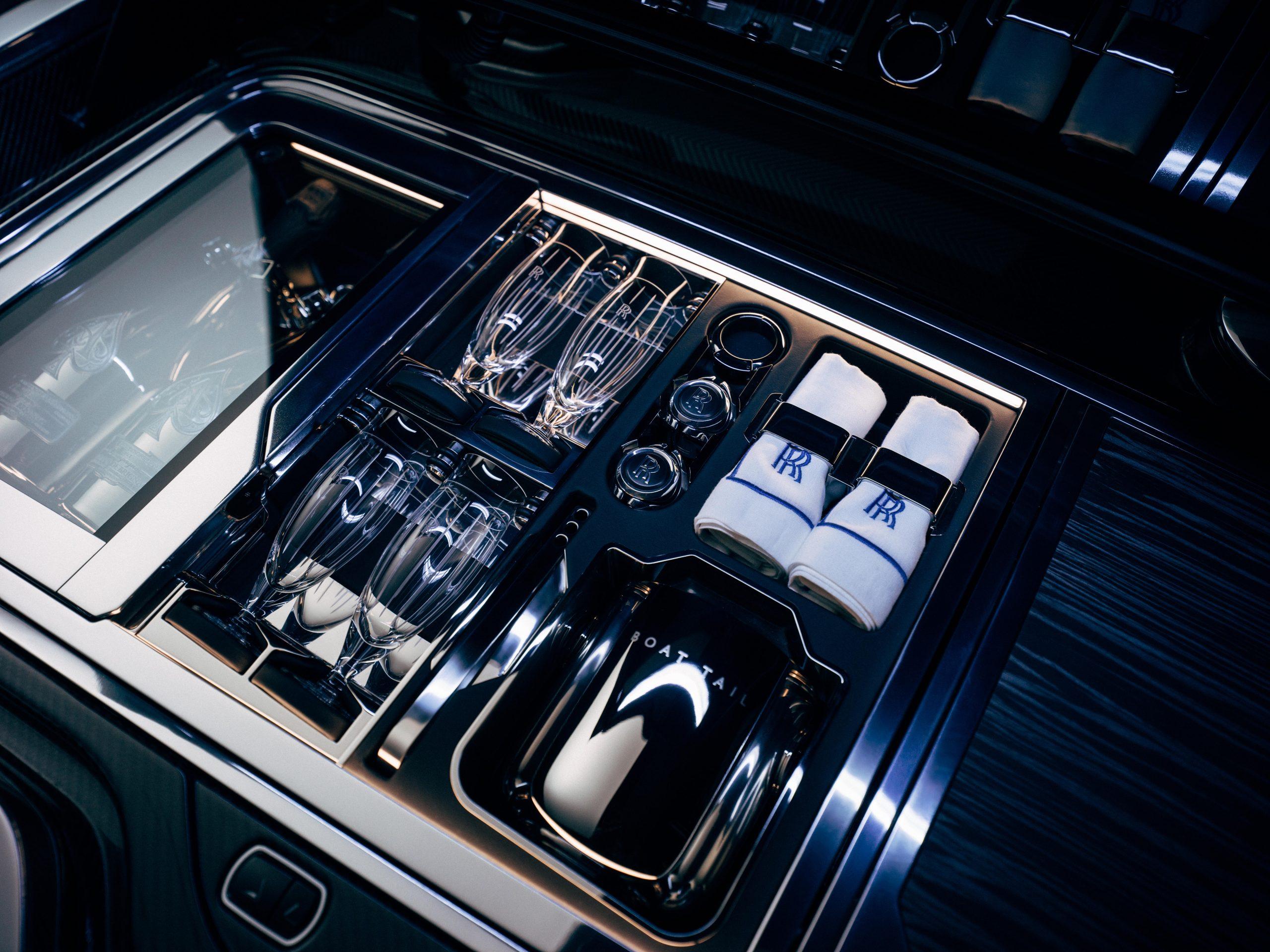 Rolls-RoyceBoatTailHostingSuitewithwithchampagnerefridgerator