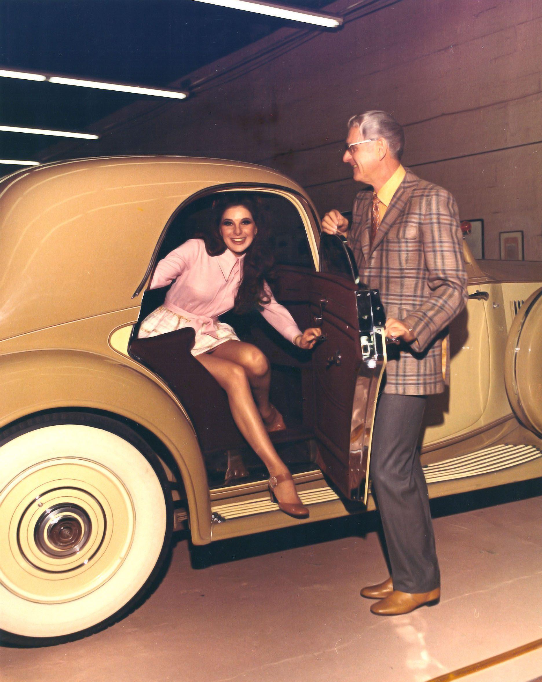 Star Bobbi Gentry and Bill Harrah