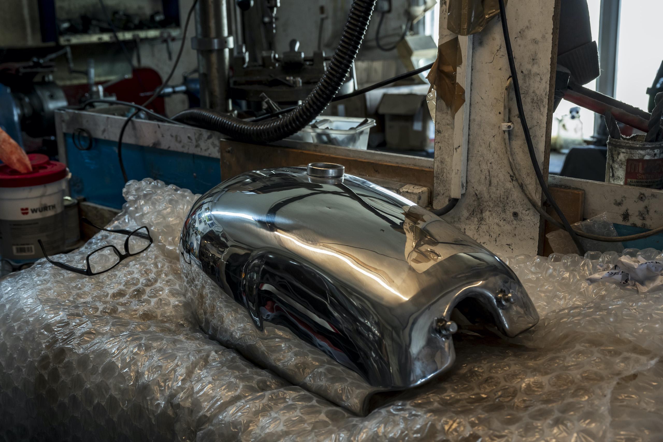 TAB II Classics polished tank