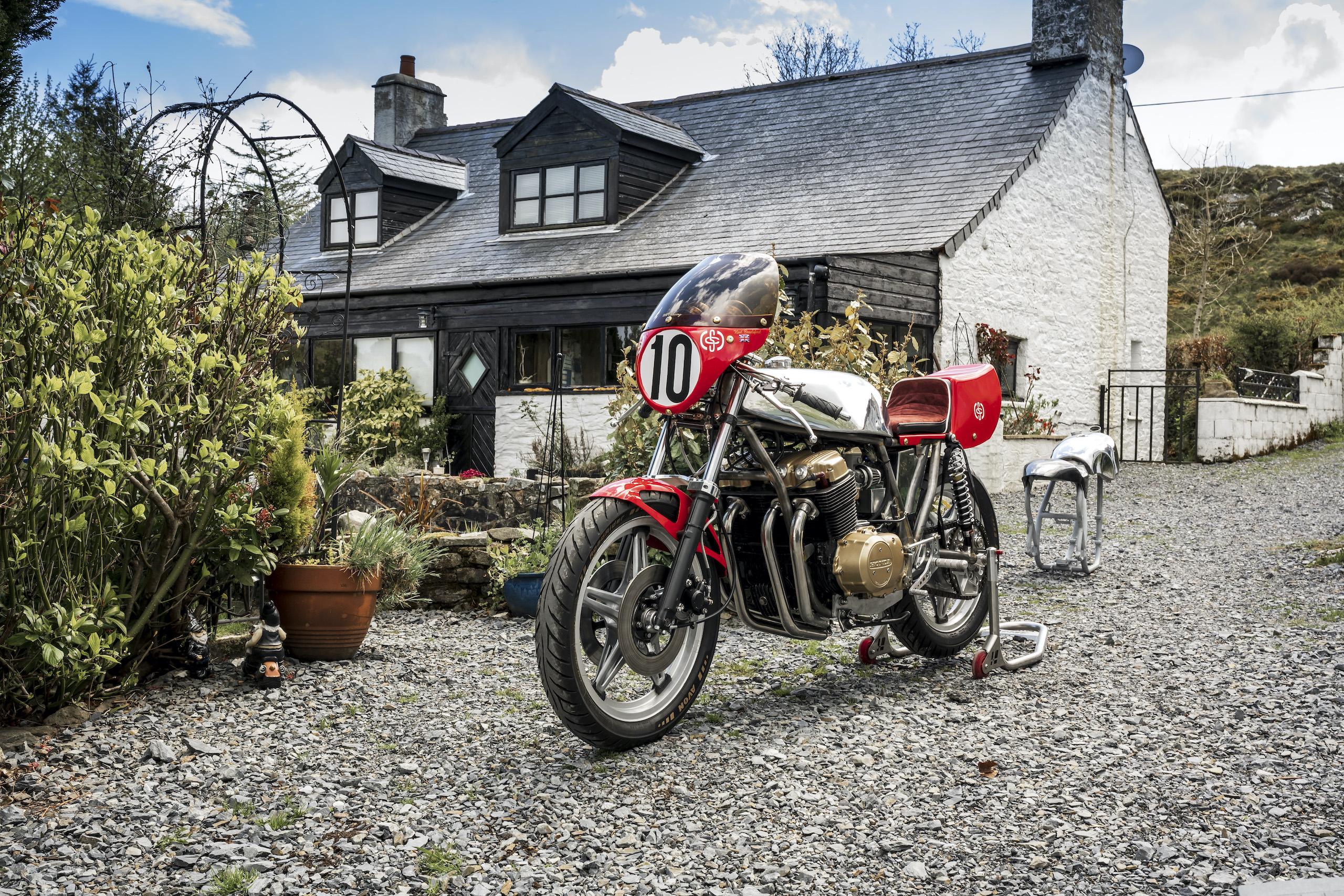 TAB II Classics finished motorbike front three-quarter
