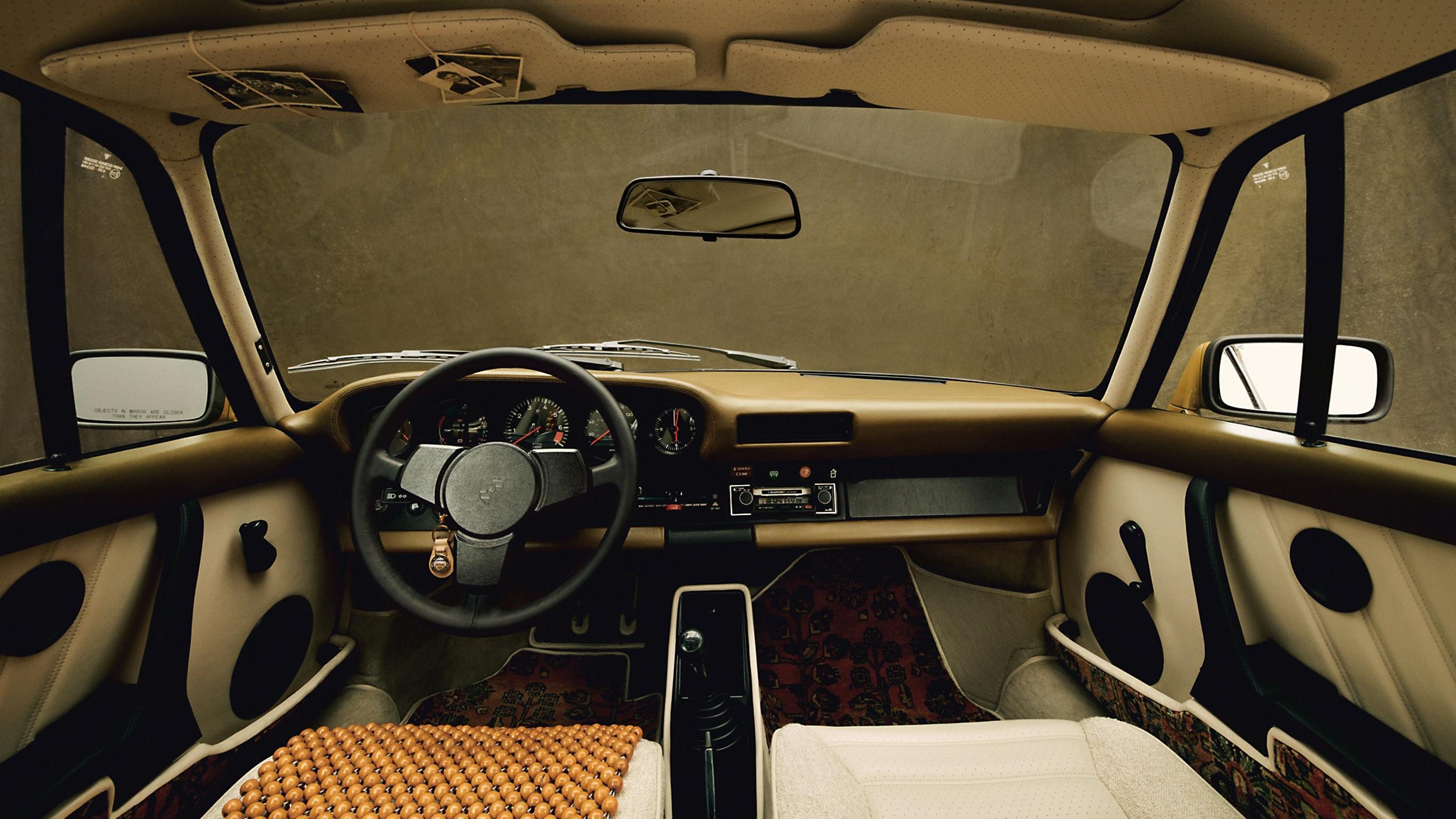 Porsche 911 ALD interior
