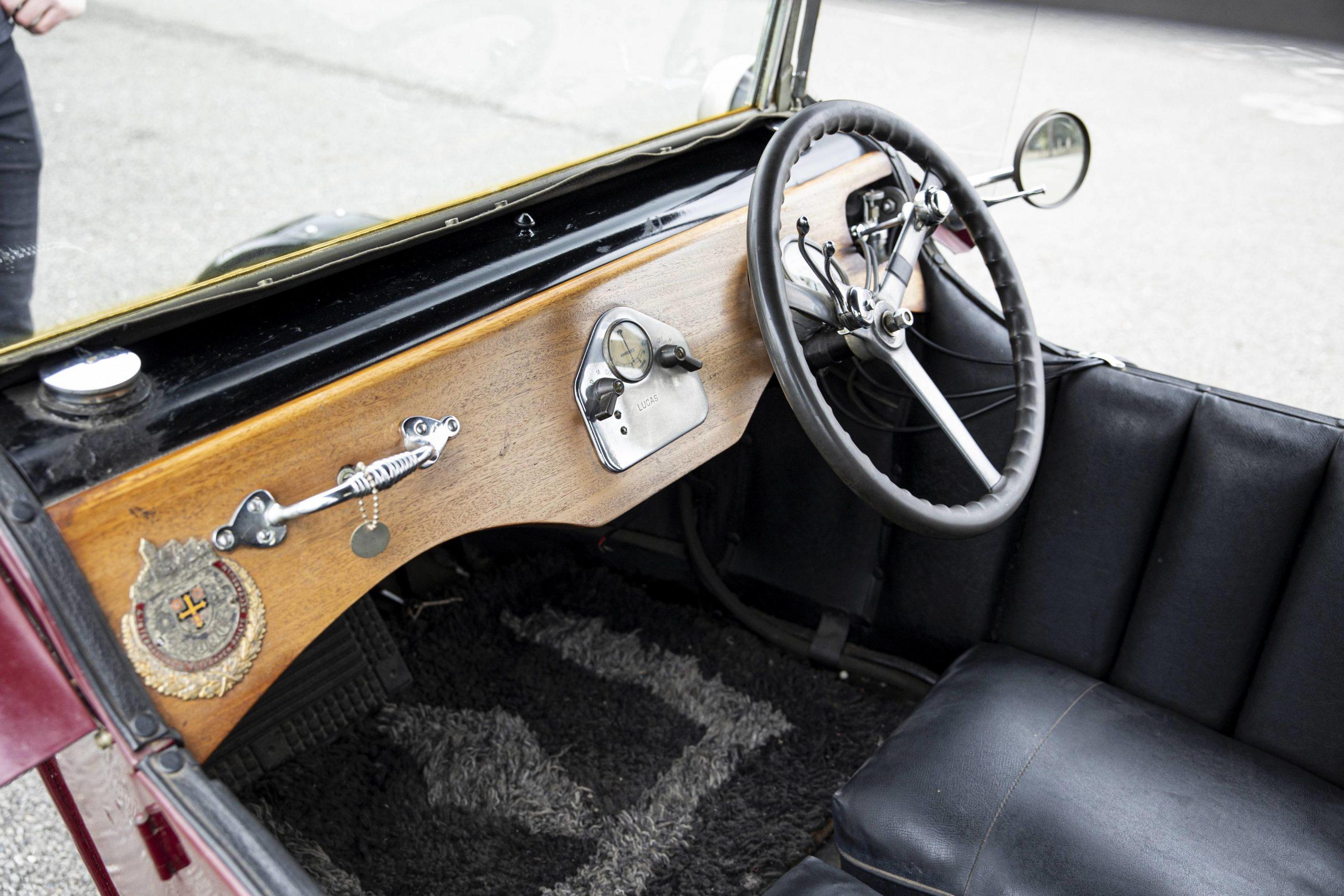 1925 Seal 980CC Motorcycle interior