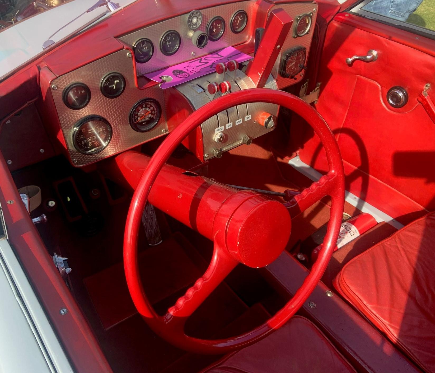 1948 Tasco - interior 2