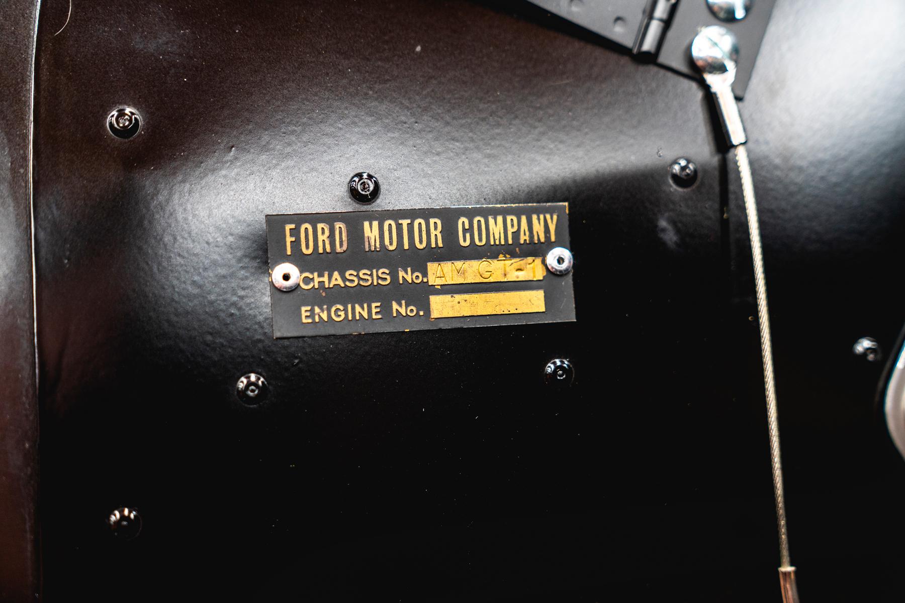 1966_Ford_GT40_Alan_Mann placard