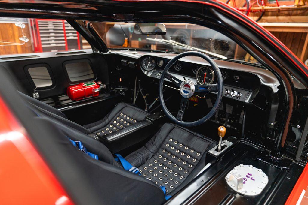 1966_Ford_GT40_Alan_Mann interior