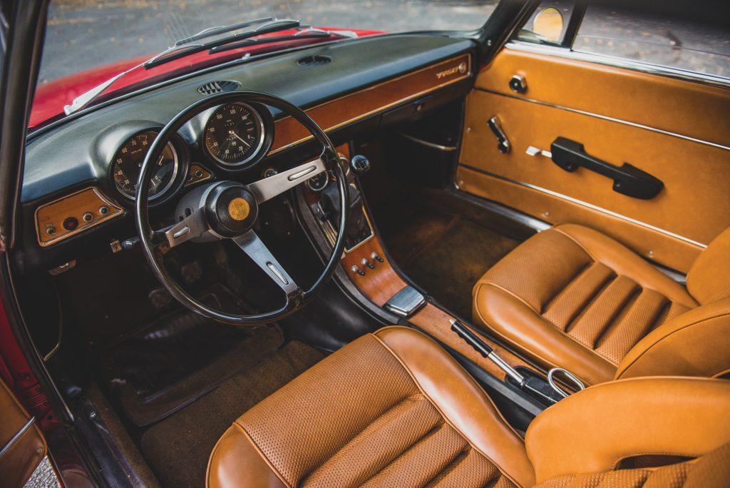 1969-Alfa-Romeo-1750-GT-Veloce interior