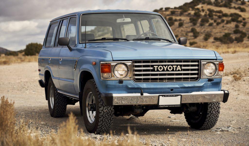 1984 Toyota FJ60 Land Cruiser front three-quarter