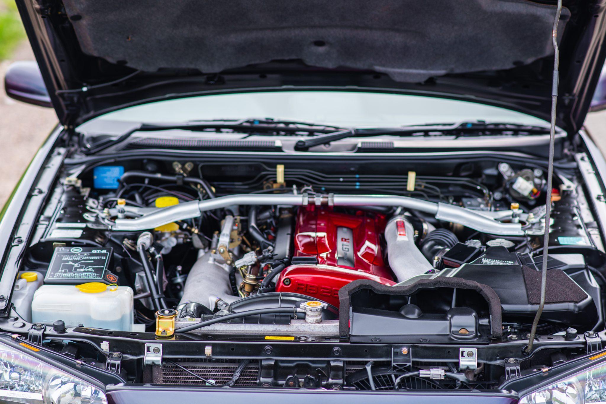 1999 Nissan Skyline GT-R V-Spec engine bay
