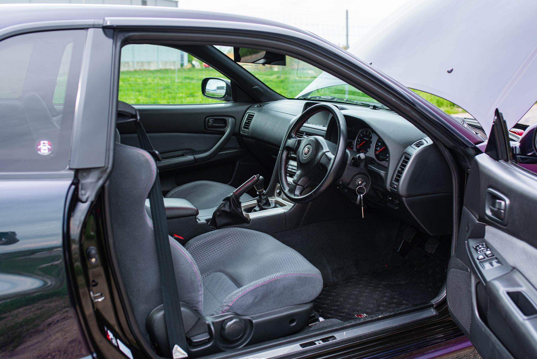 1999 Nissan Skyline GT-R V-Spec interior