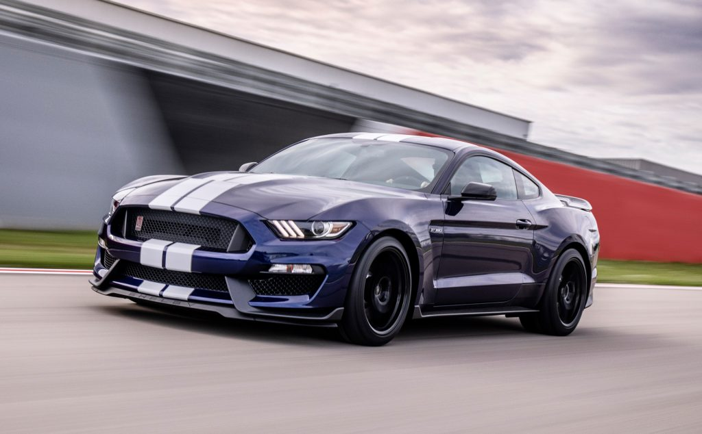 2019 Shelby GT350 front three-quarter action