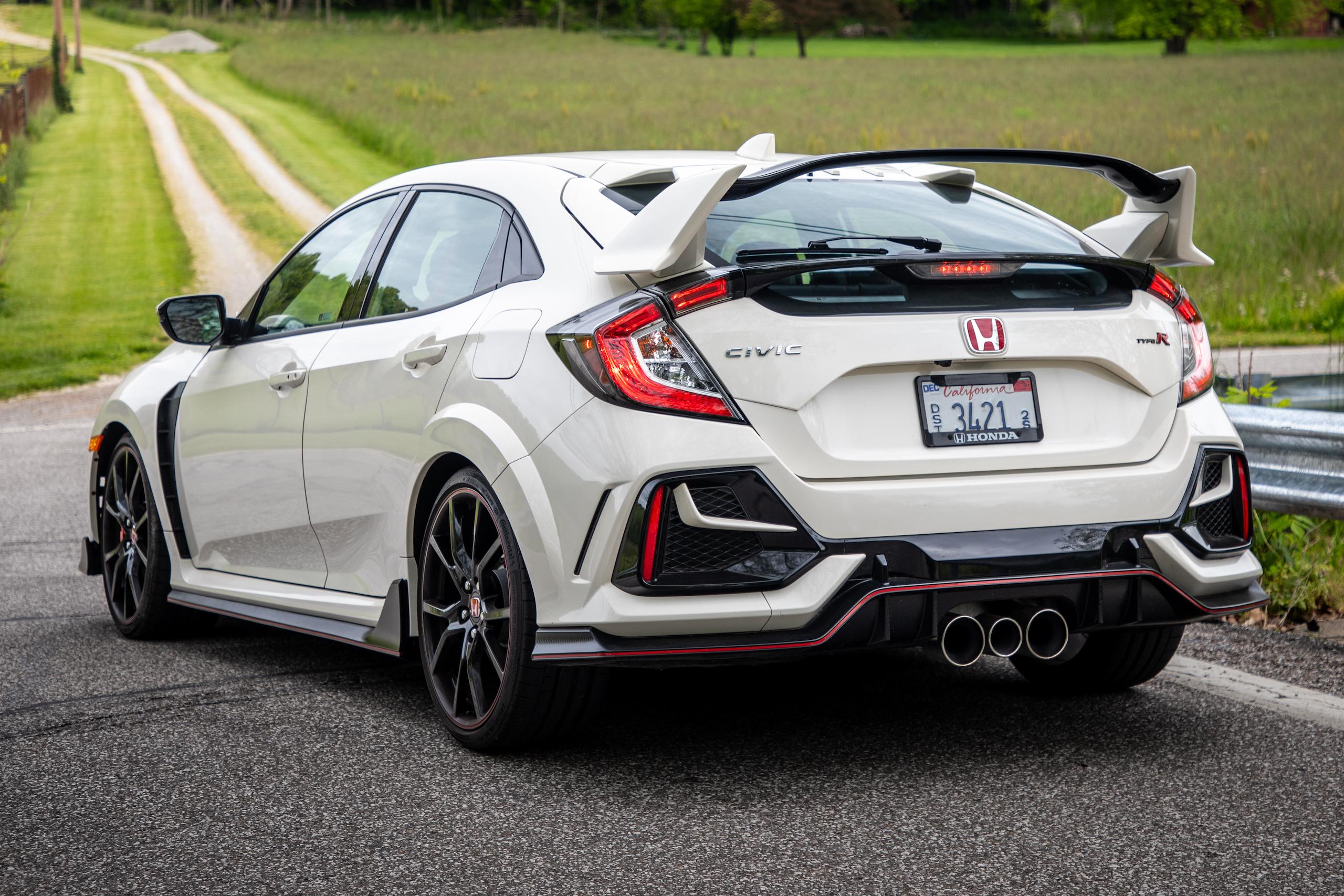 2020 Honda Civic Type R rear three-quarter detail