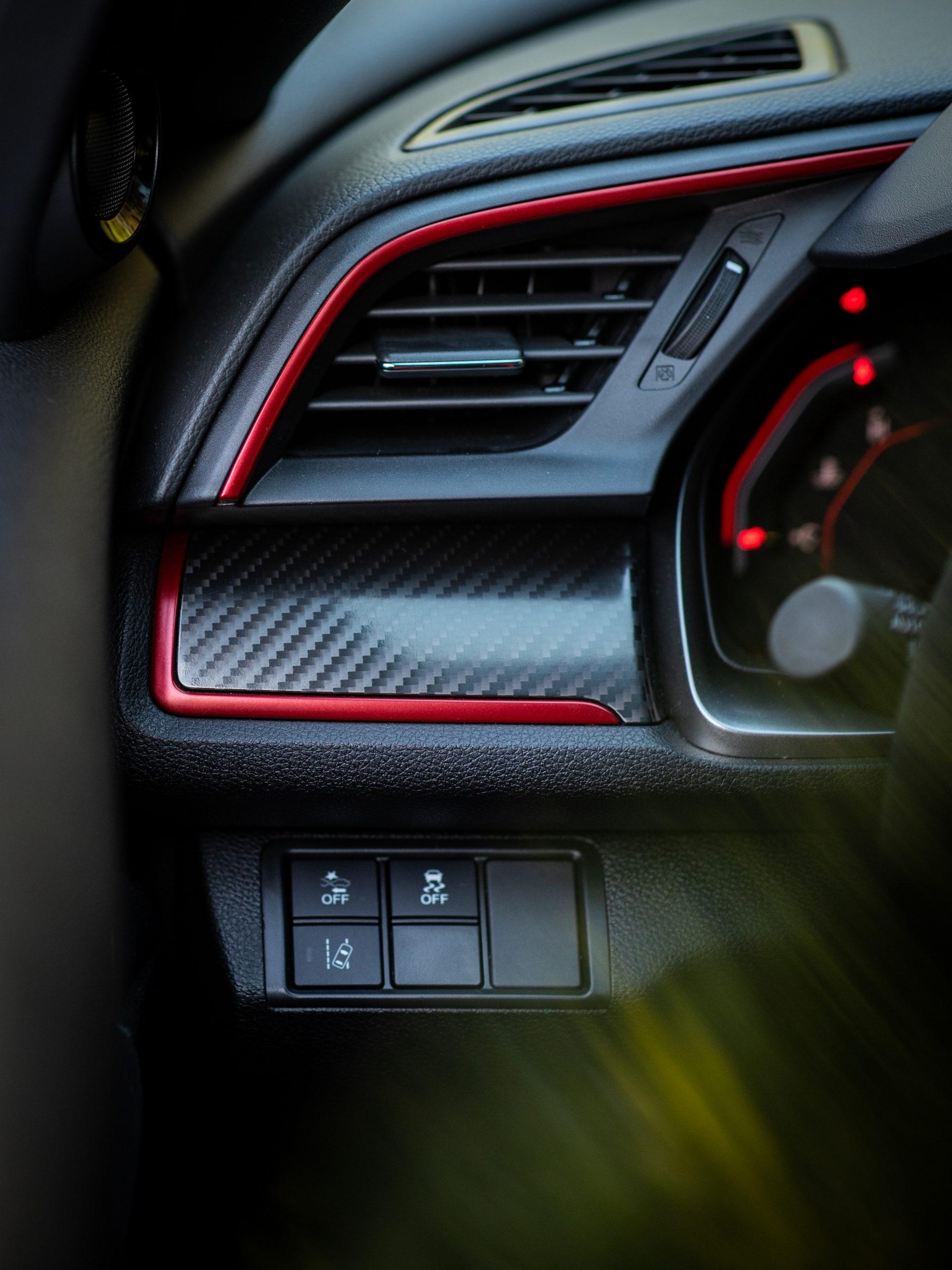 2020 Honda Civic Type R interior vent detail