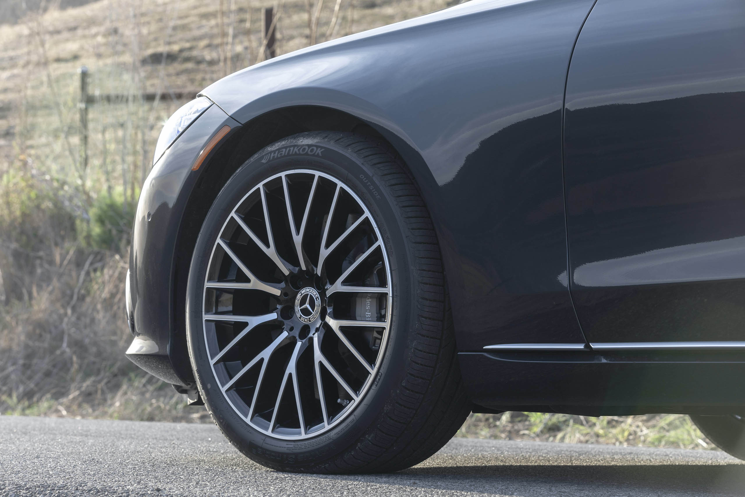 Mercedes Benz-S-Class front wheel and tire