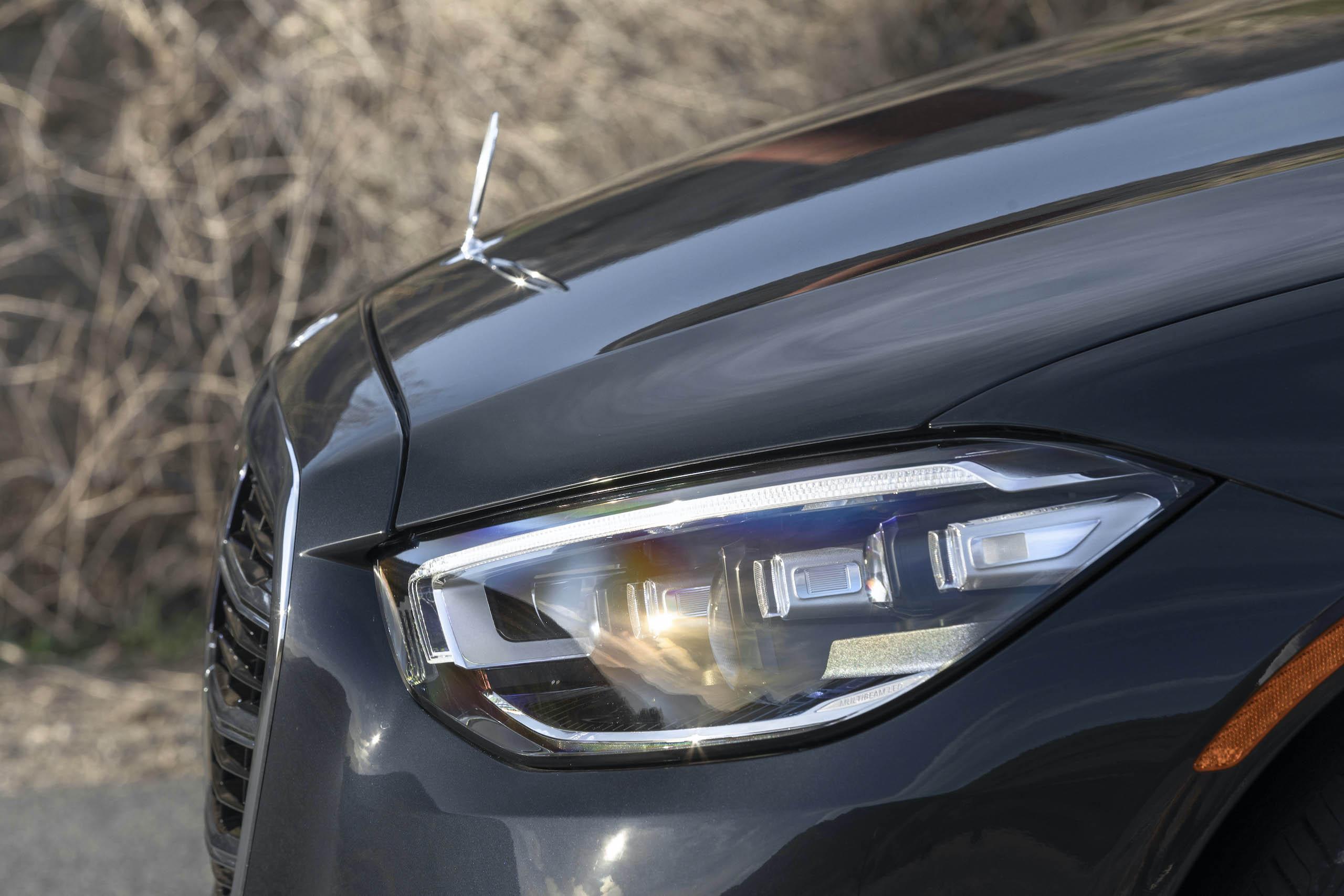 Mercedes Benz-S-Class front fascia side profile