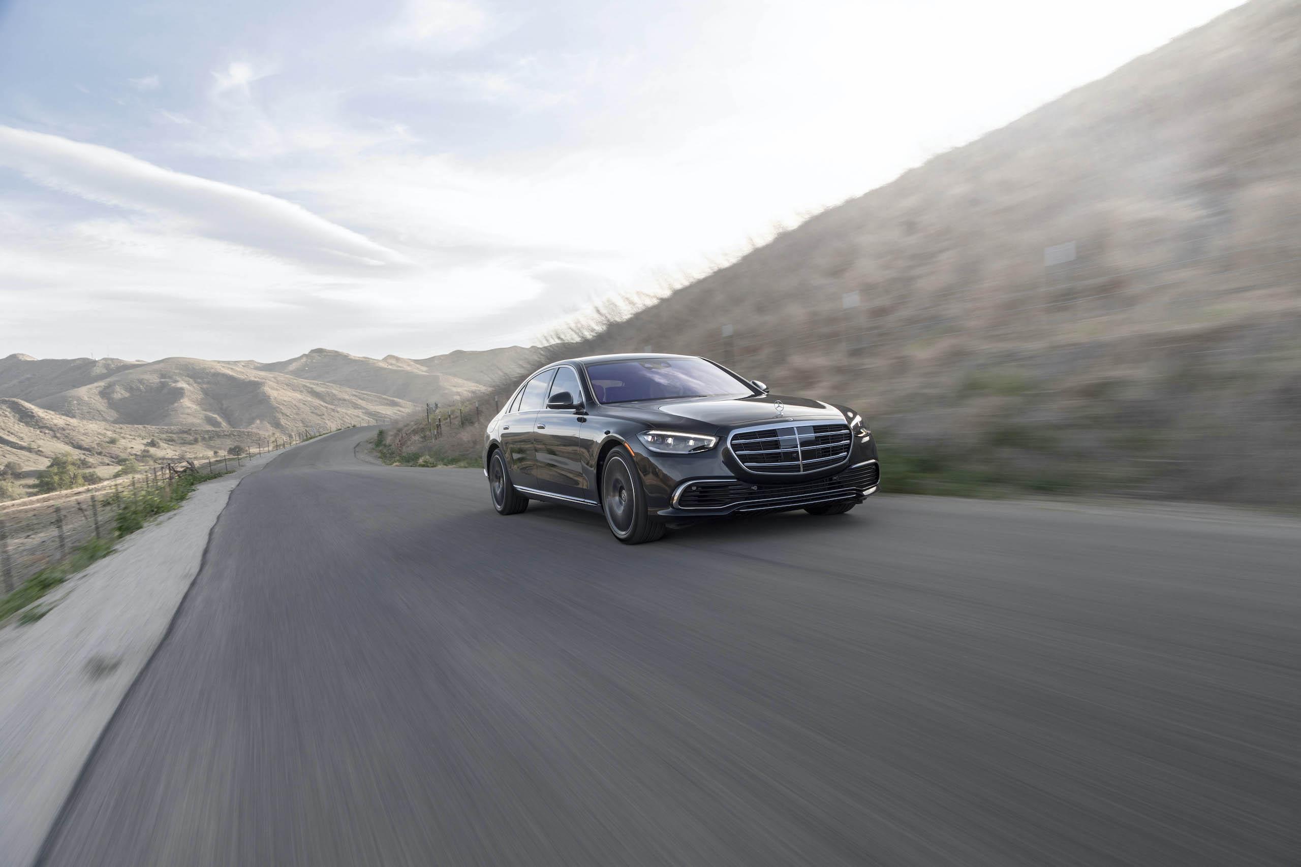Mercedes Benz-S-Class front three-quarter action