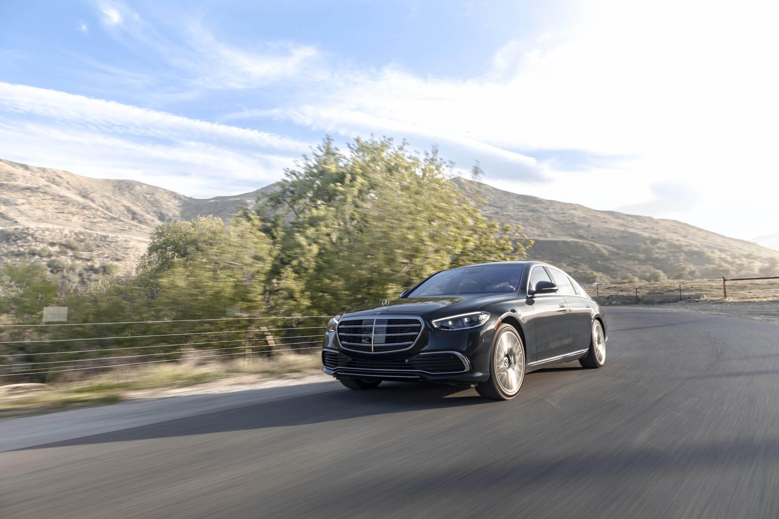 Mercedes Benz-S-Class front three-quarter