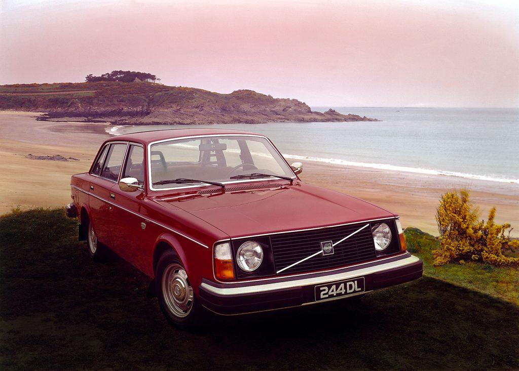 Volvo 244 DL front three-quarter
