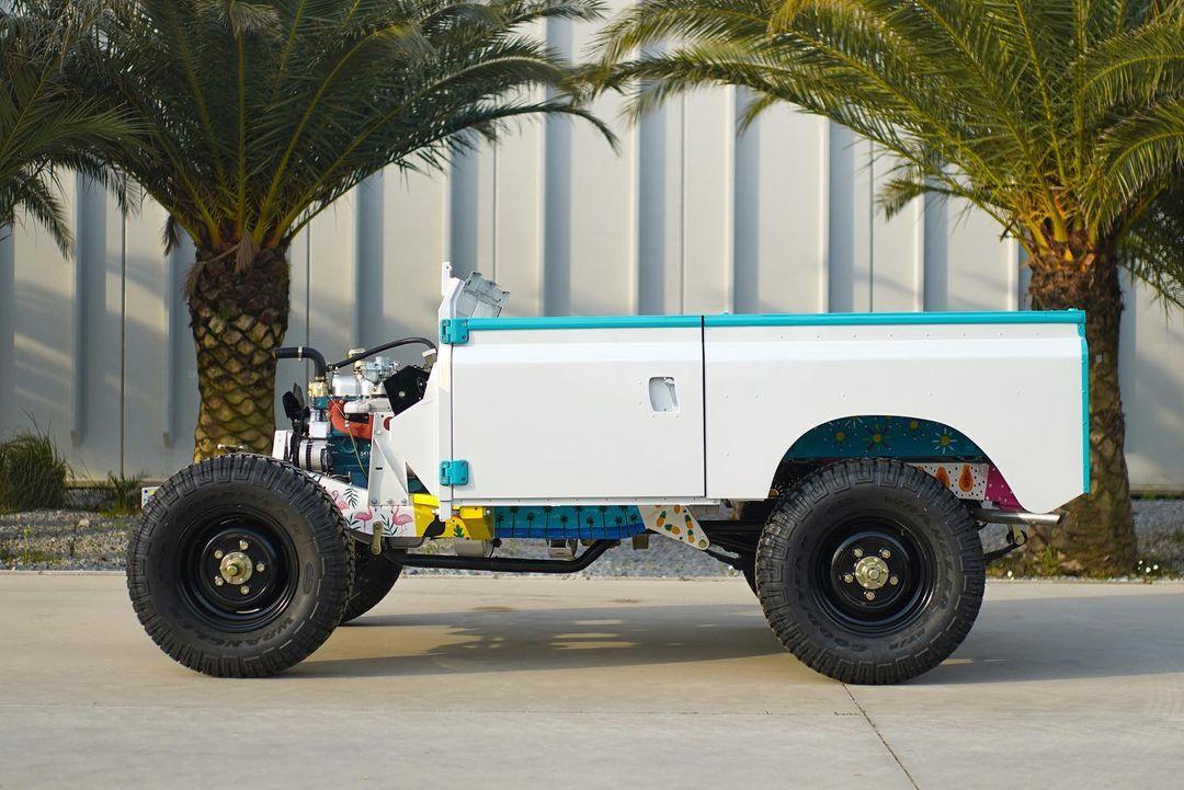 Custom Land Rover side profile