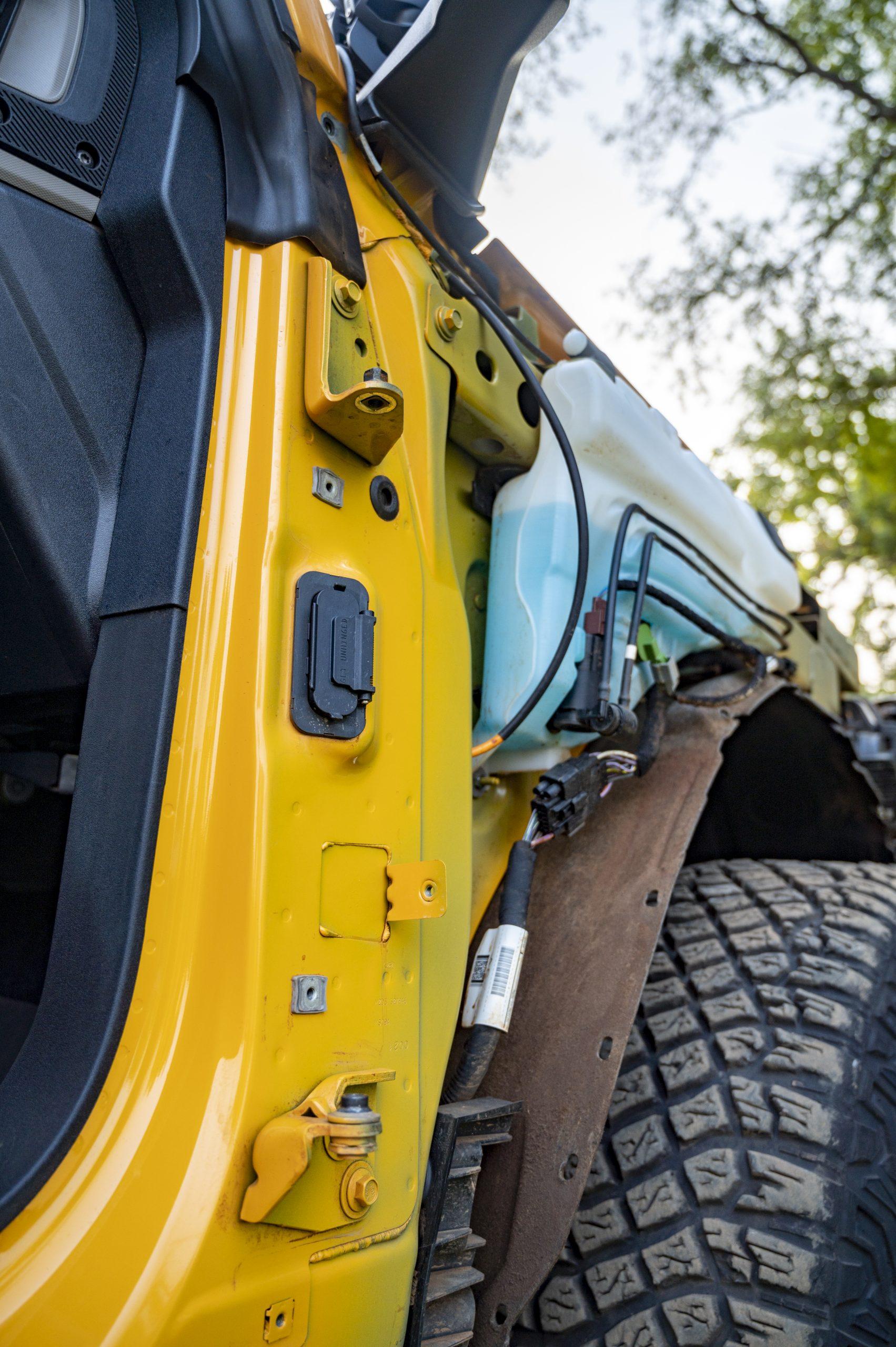 2021 Ford Bronco hinges and fluid reservoir