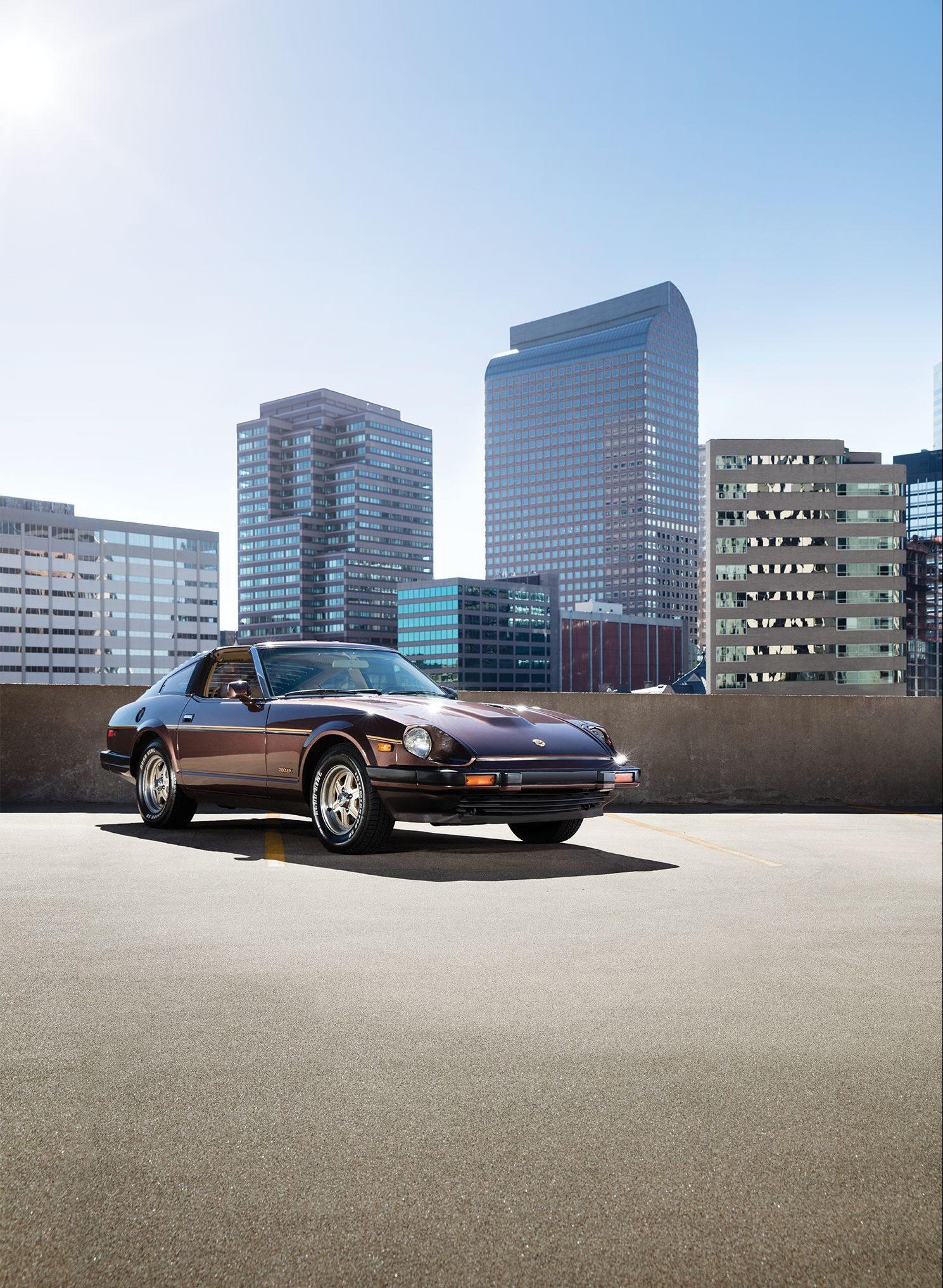 Datsun 240z front three-quarter vertical