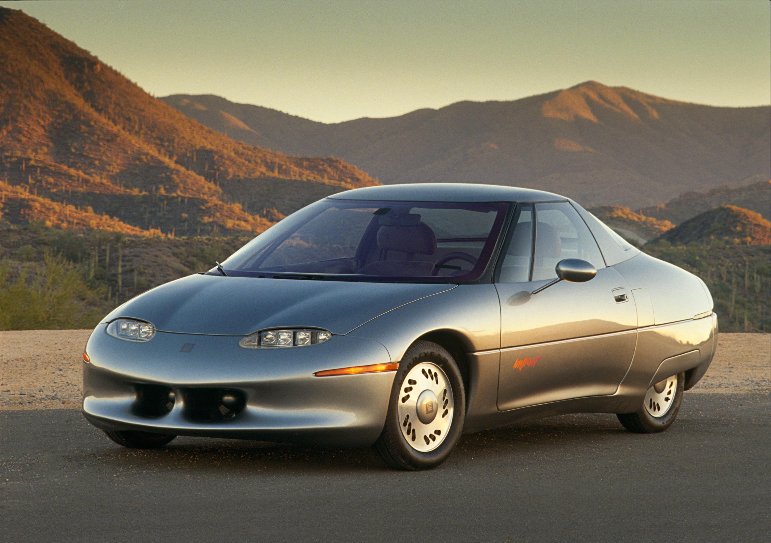 1990 GM Impact Show Car front three-quarter