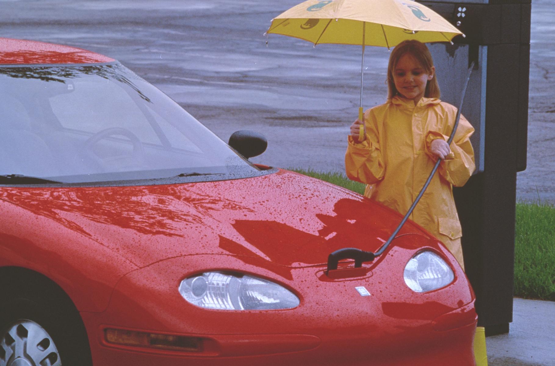 1997 GM EV1 charging