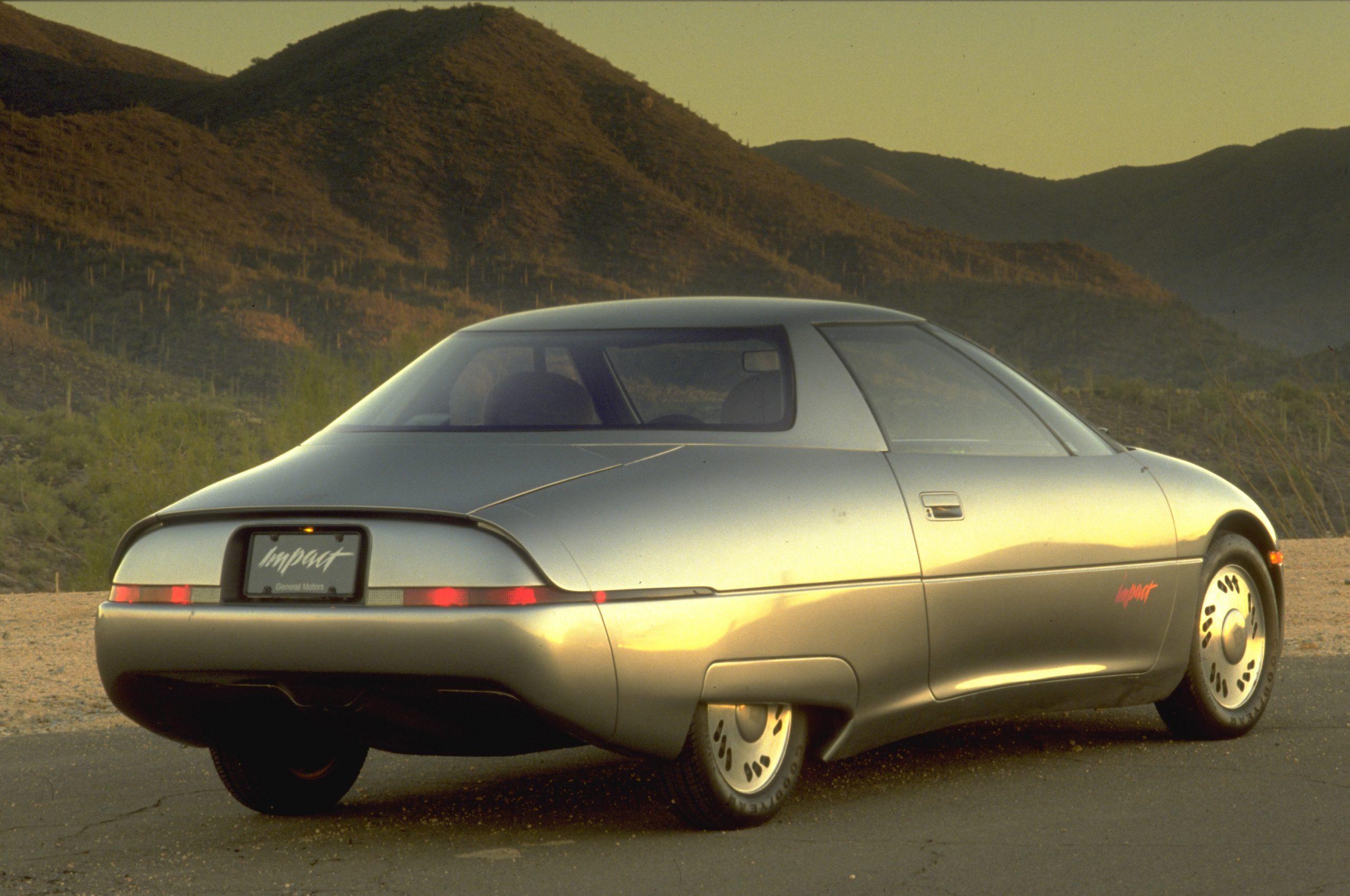 1990 GM Impact Show Car rear three-quarter
