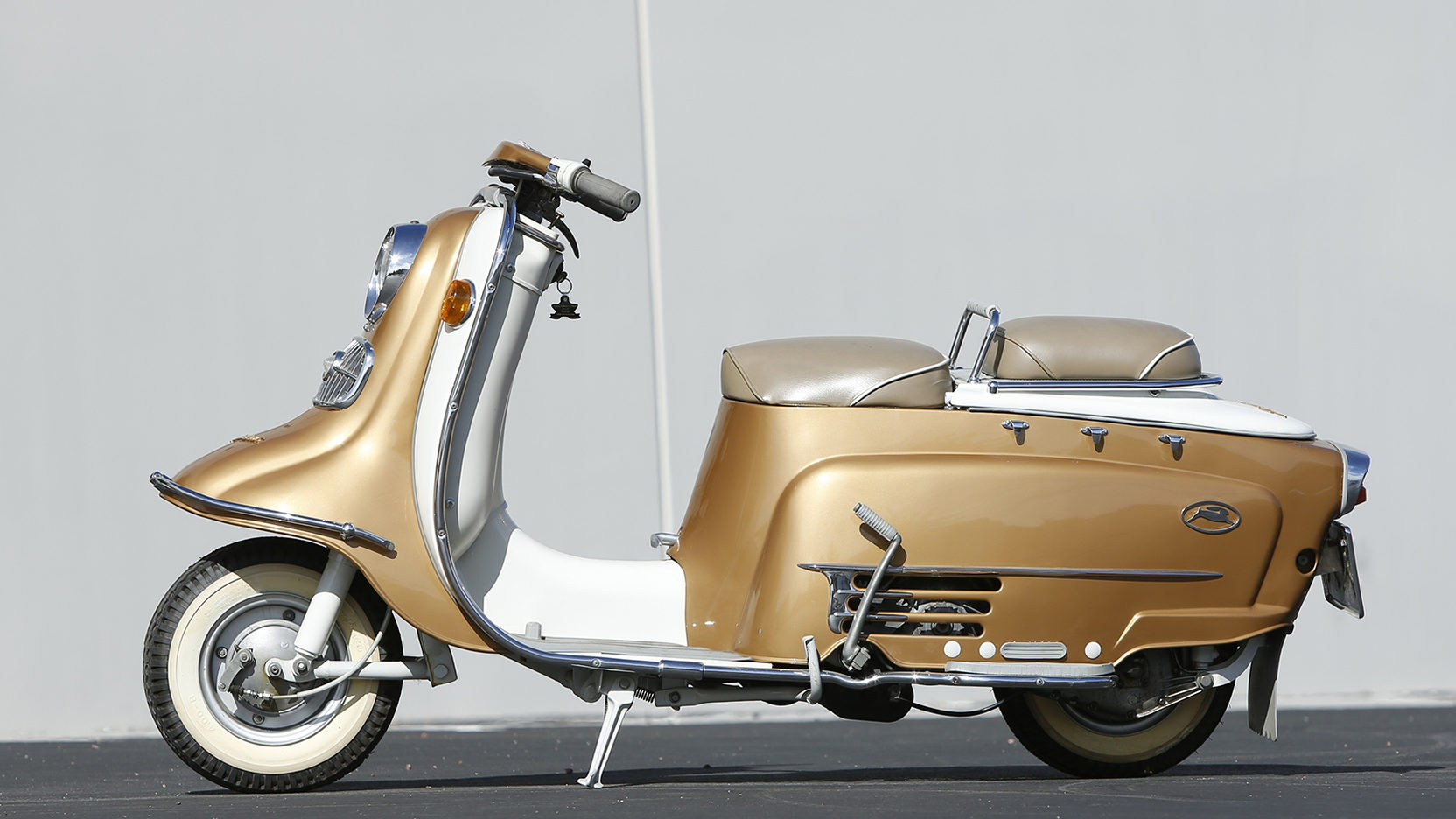 1959 fuji rabbit scooter side profile