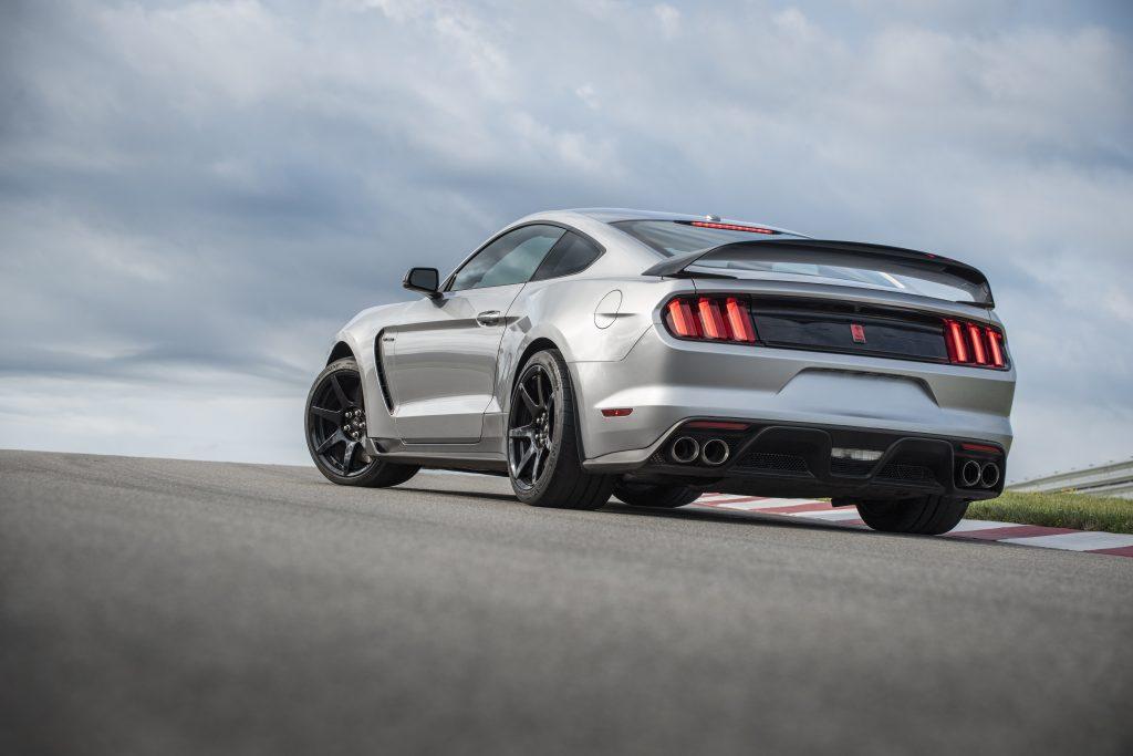 2020 Mustang Shelby GT350R rear three-quarter