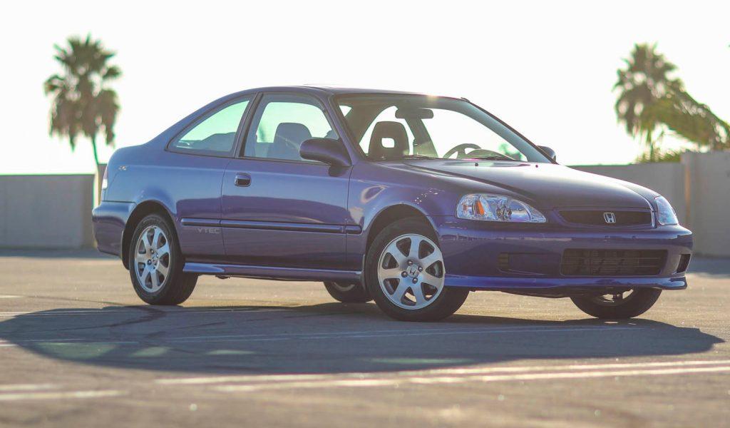 Honda Civic Si front three-quarter