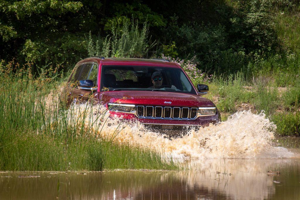 Jeep Grand Cherokee L splashdown