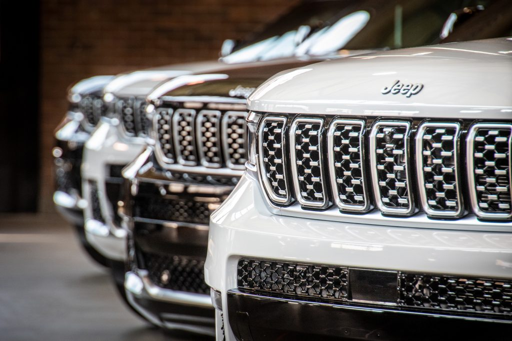 Jeep Grand Cherokee L front grilles