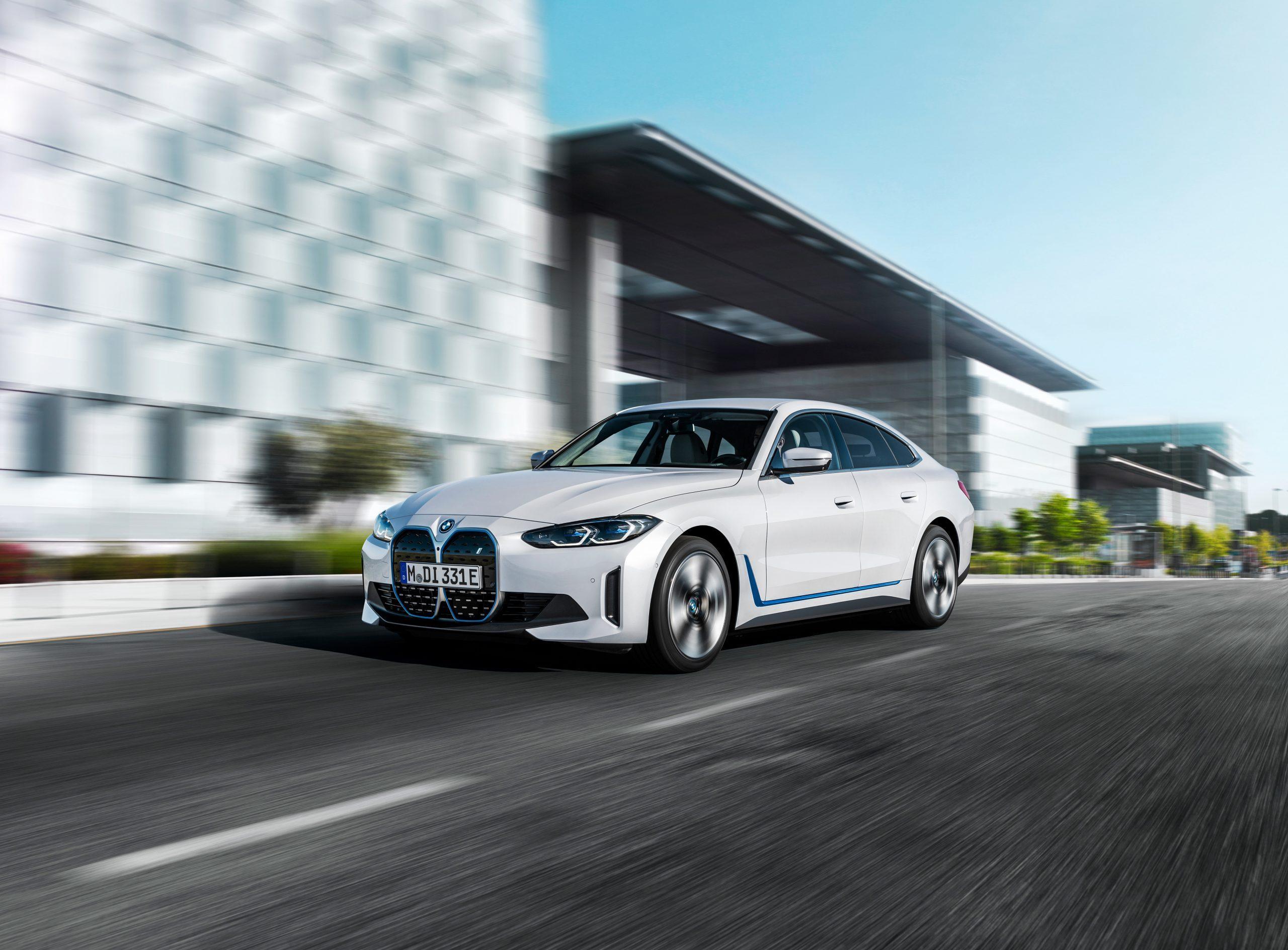 2022 BMW i4 eDrive40 rolling front 3q