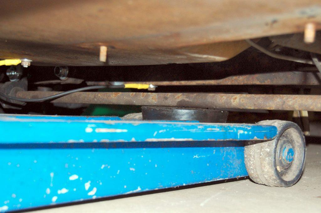 Rob Siegel - Floor jack and jack stand safety - DSC_0605_enhanced
