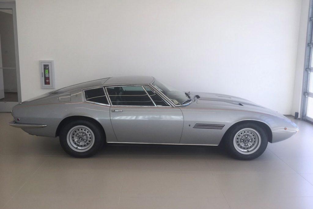 Sinatra Maserati side profile