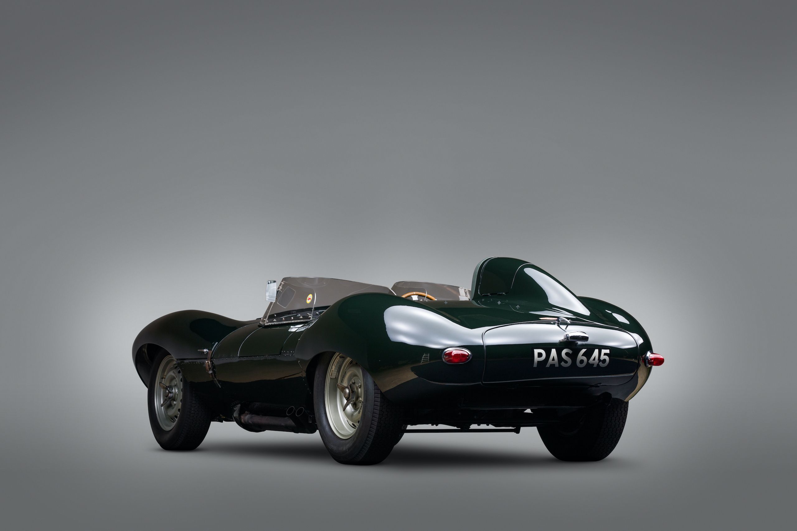 jaguar d-type rear three-quarter