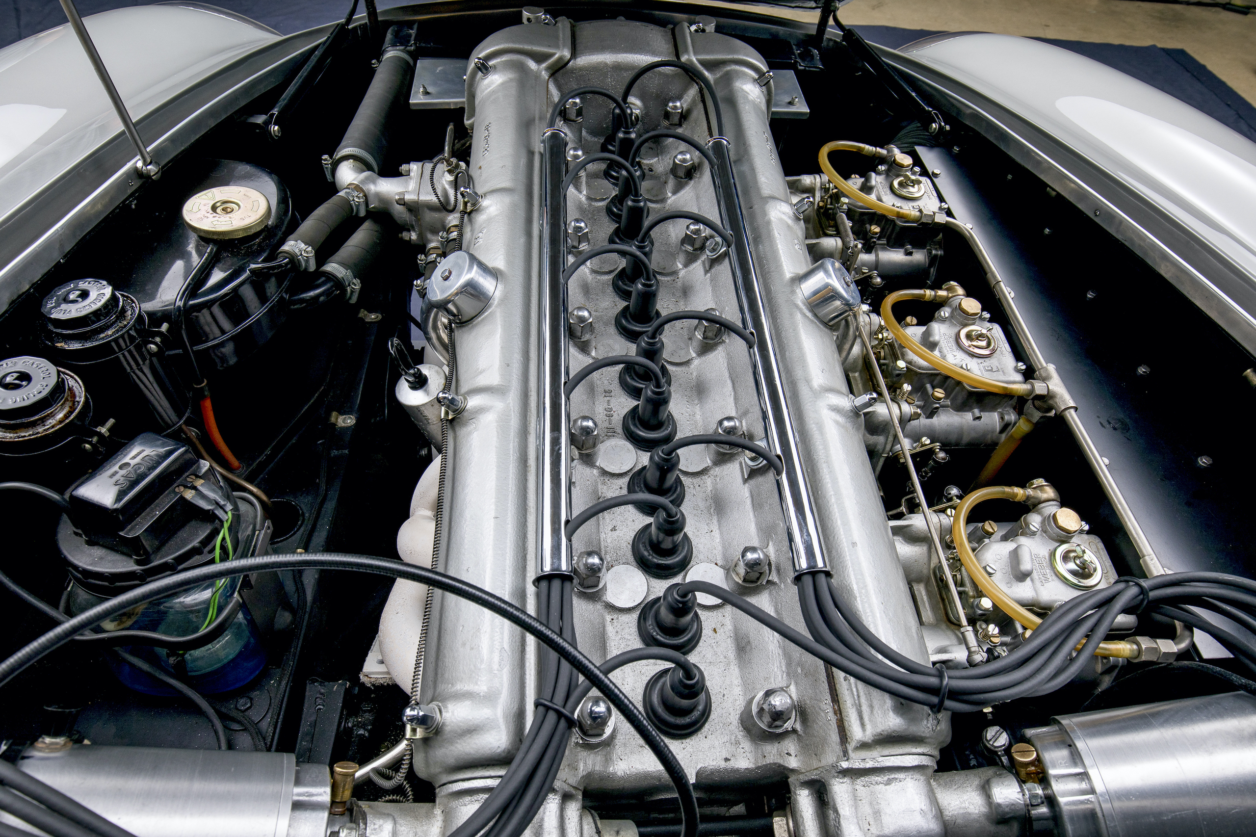 aston martin db4 gt zagato engine
