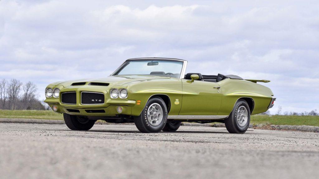 1971 Pontiac GTO Judge Convertible front three-quarter