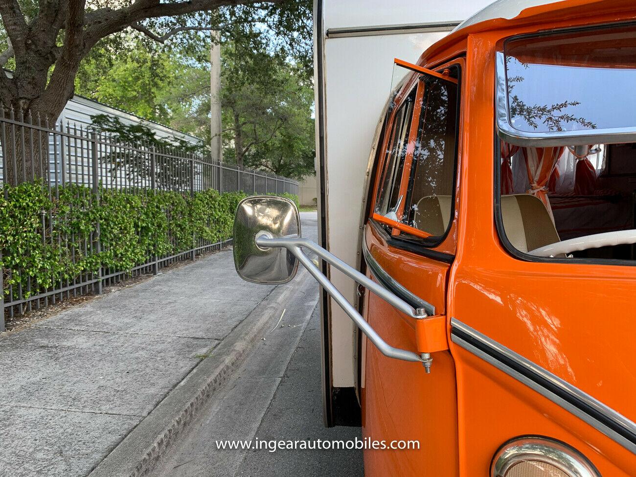 Volkswagen Bus Camper VW side